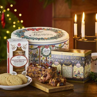 A Perfect Christmas Teatime Tin