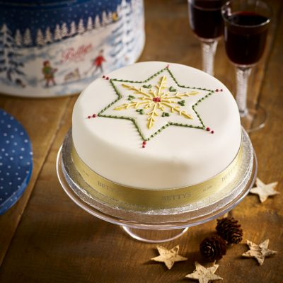 Soft Iced Star Christmas Cake